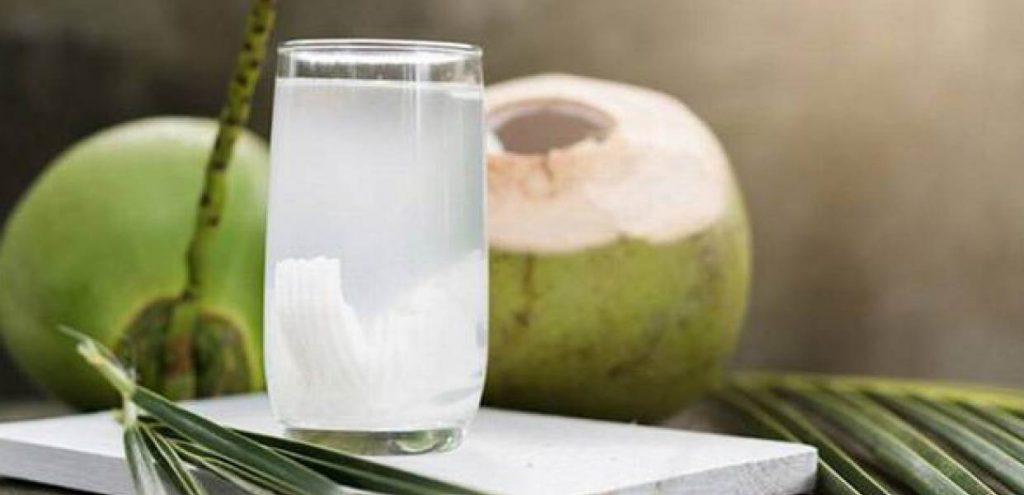 Công dụng của nước dừa xiêm tươi với sức khỏe
